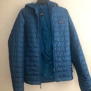Patagonia men's nano puff hoody in Big Sur blue